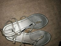 Pair of silver sandal size 8 St. Catharines, L2M 4G1