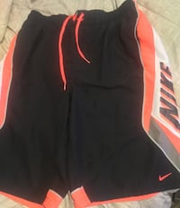 NIKE Men's Shorts, Size Med Reduced to $18 Nanaimo, V9R
