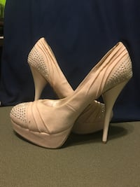 Light pink pump heels Upper Marlboro, 20772