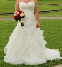 Wedding dress Georgina, L4P 2N9