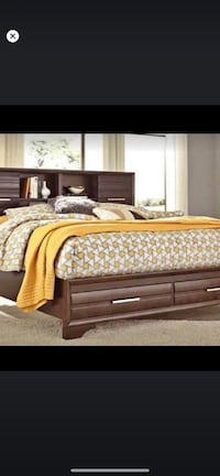 ???? Sliding door queen storage bed New York, 11423