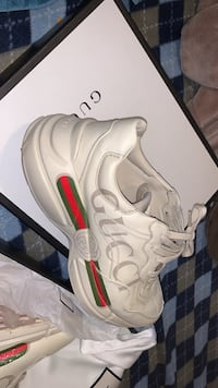 Gucci rython runners  Newmarket, L3Y 3P4