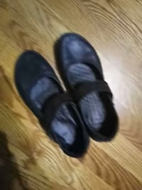 pair of black leather flats Mississauga, L5B 3N8
