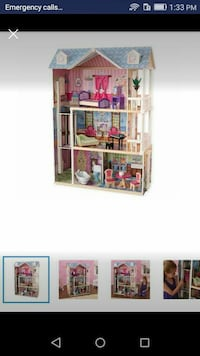 Doll house with 14 accessories