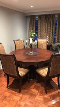 60 inch Dining room table & chairs Vaughan, L6A 1E8