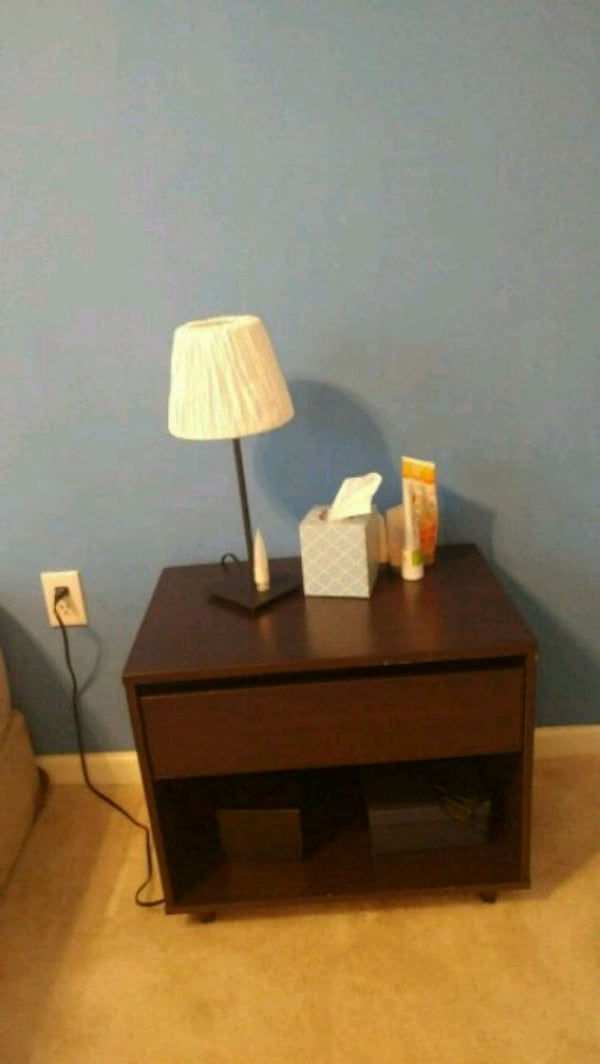 nightstand 779dca03-aab5-475a-8387-a7a78d57c6af