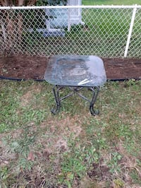 Wrought  iron table  nice  small out side table  Mission