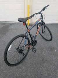 For sale 700c Mongoose Bicycle. Cerritos