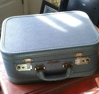 Small vintage suitcase Barrie, L4N 2M6