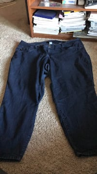 d2ff2ca7c8f Used blue denim straight-cut jeans for sale in Mandan - letgo