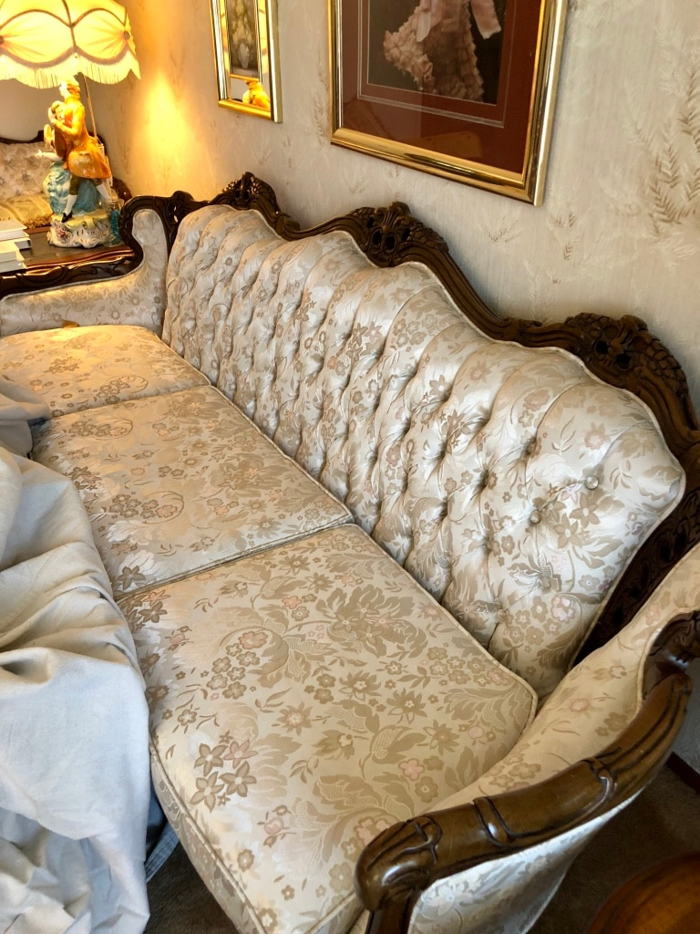 used kingsley french provincial sofa loveseat and chair with claw rh us letgo com french provincial sofa set french provincial sofa reupholstered