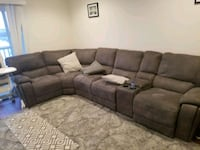 Electronic Reclining couch Wakefield, 01880