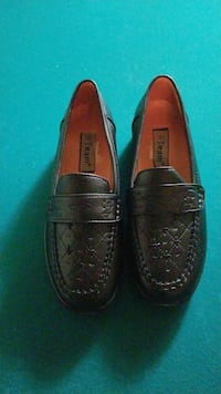 pair of black leather loafers Fontana, 92335