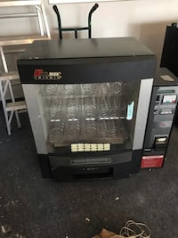 Multimax twin win vending machine  Toronto, M1K 3K9