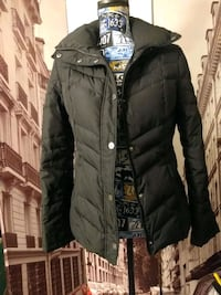 Kenneth Cole small black puffer jacket