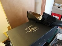 Bass loafers leather, patent leather trim sz 10, Massachusetts, 02126