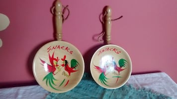 Vintage 1950's wooden bowls with rooster design
