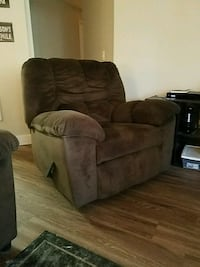 brown suede recliner sofa chair Mukilteo, 98275
