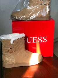 guess women's boots size 10 new in their box North Las Vegas, 89030
