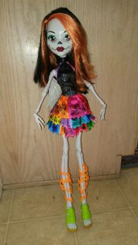 red and blue dressed female doll Prescott Valley, 86314