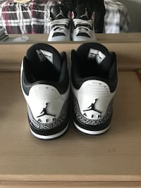pair of white-and-black Air Jordan shoes Ottawa, K2J