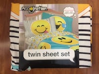 Brand new emojination twin sheet set (pick up only) Alexandria, 22315