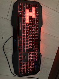 Gaming keyboard  Kitchener, N2N 3N1