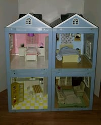 Vintage doll house Chantilly, 20151