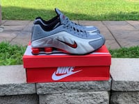 Nike Shox R4 Light Grey, Silver And Red Newburgh, 12550