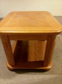 square brown wooden side table Hartford, 06106