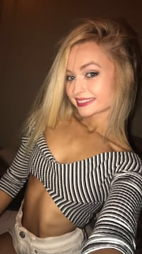 SEXY URBAN OUTFITTERS CROP TOP IN SIZE XS