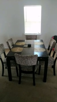 Dining room table 512 mi