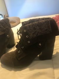 Pair of brown suede boots Overbrook, 66414