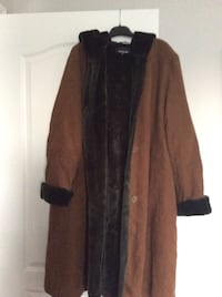 Woman's winter coat with faux fur and hoody. Worn couple of times only size 18 Laval, H7X 3R8