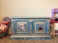 Hand painted Frozen Toy chest  Texas City, 77591