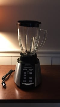 Black and gray Oster blender Pittsfield, 03263