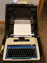 Smith Corona Super Sterling Electric Typewriter w/case