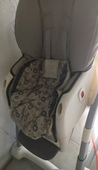 gray and black car seat carrier Woodbridge, 22193