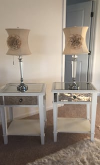 End table with lamps  Hagerstown, 21740