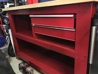 Almost NEW Metal Work Bench with Drawers. Mississauga