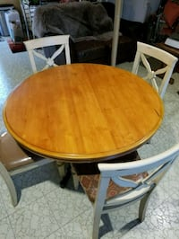 round brown wooden table with four chairs dining set Vienna, 22180
