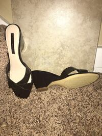 Pair of New brown leather peep-toe wedges Holland, 49423