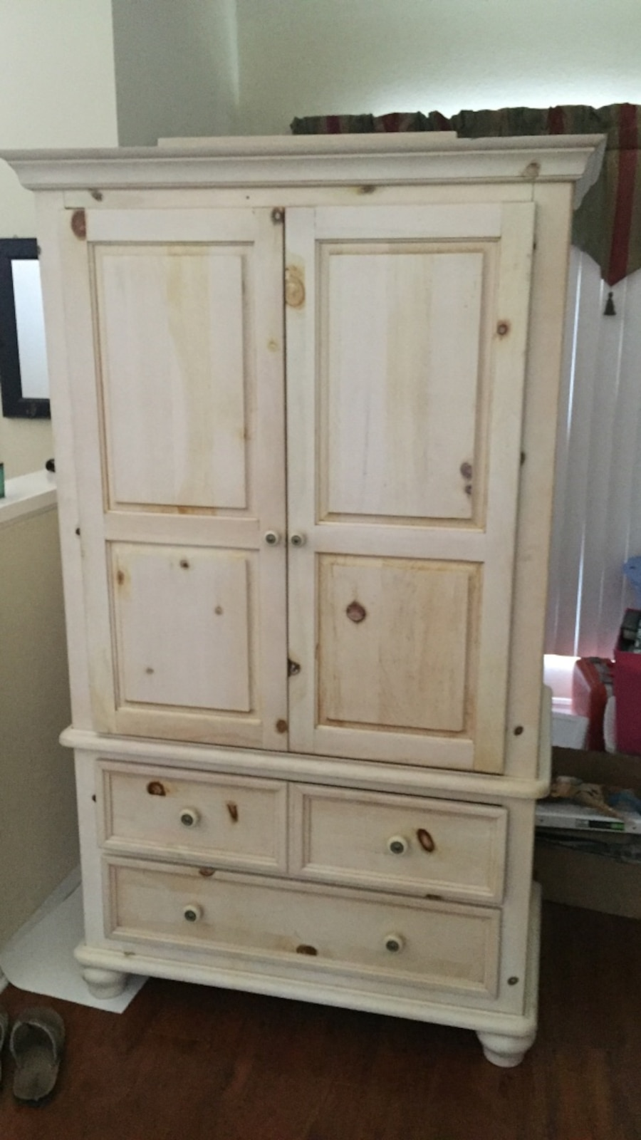 white wooden 3 drawer armoire in tampa letgo. Black Bedroom Furniture Sets. Home Design Ideas