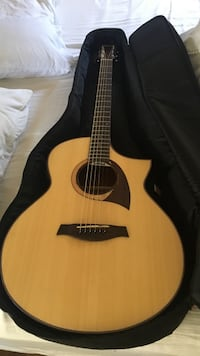 Ibanez Acoustic Electric Guitar (Barely used)
