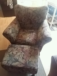 Single chair and ottoman  Langley, V1M 1Z6