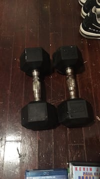 Pair of black 20 lbs dumbbells Clarksville, 37043