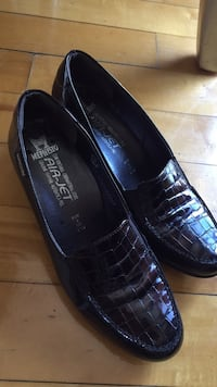 Very comfy mephisto make air jet shoes Laval, H7L 5Y7