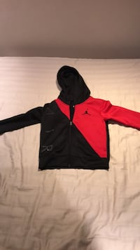 Brand new authentic Jordan size 4/5 yrs old youth small hoodie Burlington, L7M