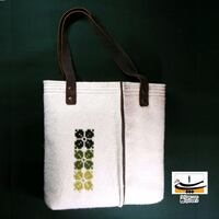 white and black leather tote bag Vaughan, L4K 4G7