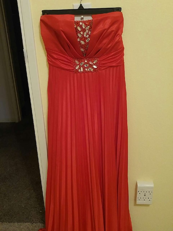 Used Plus Size Formal Dress for sale in Puyallup - letgo